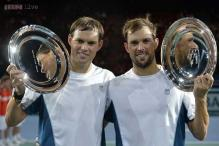 Bryan brothers win doubles at Paris Masters