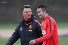 Robin van Persie is short of confidence, says Louis van Gaal