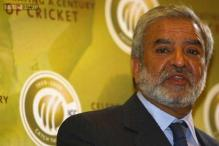 Deal with banned players with caution: Ehsan Mani to PCB