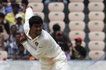 Bedi meets Pragyan Ojha, terms wearing half sleeves 'brave move'