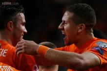 Euro Qualifiers: Dutch beat Latvia 6-0 to save Hiddink's job
