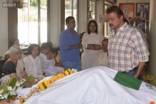 Celebrities pay their last respect to actor Sadashiv Amrapurkar