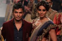 Vikram Phadnis to team up with Bipasha Basu for directorial debut?