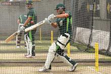 Debutant Joe Burns to bat at six, Ryan Harris to play for Australia