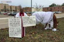 Mississippi pastor trots out horse in wedding dress to protest gay marriage