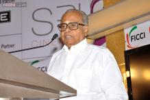 Film fraternity urges Tamil Nadu government to erect a statue in memory of late filmmaker K Balachander
