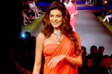 Sushmita Sen walks the ramp for Shivan and Narresh at Blender's Pride Fashion Tour 2014