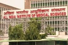 Delhi: Bone-chilling cold adds to patients' woes outside AIIMS