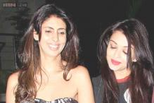 Photo of the day: Aishwarya Rai Bachchan and Shweta Nanda share a light moment as they leave Farah Khan's birthday party together