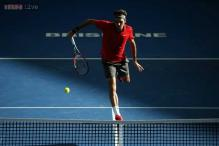 Roger Federer sets up meeting with Raonic in Brisbane final