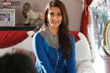Jaipur Literature Festival 2015: Sonam Kapoor says she hates being asked about her 'fashion statement' and her 'friendship' with Deepika Padukone