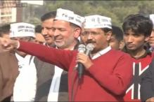 Kejriwal stirs controversy, asks voters to take money from Congress, BJP and vote for AAP in Delhi polls