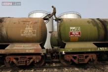 India asks refiners to cut Iran oil imports ahead of Obama's visit: Sources