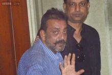 Sanjay Dutt returns to jail in Pune, doesn't surrender and comes back to Mumbai