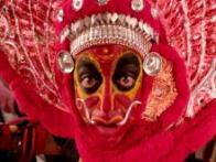 'Uttama Villain' first stills: Kamal Haasan does it again; transforms himself as the folk artist and the film star