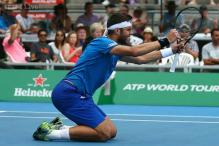 Jiri Vesely hammers Adrian Mannarino to win maiden title in Auckland