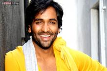 Telugu actor Vishnu Manchu gets an arm-length tattoo for 'Arima Nambi' remake