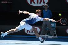 Defending champ Stan Wawrinka reaches Australian Open 4th round