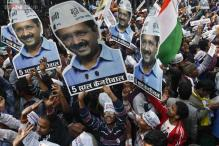 Hawkers lower price to celebrate Arvind Kejriwal's oath-taking