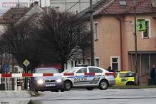 Gunman kills eight in Czech restaurant then kills himself