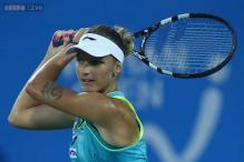 Karolina Pliskova beats Safarova to reach semis in Dubai