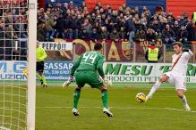 Roma get back to winning ways with 2-1 victory at Cagliari in Serie A