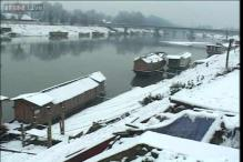 Fresh snowfall in J&K, avalanche warning issued