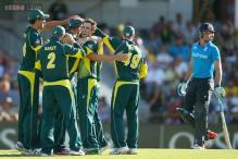 Australia clinch tri-series as Glenn Maxwell fires England down
