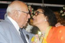 Ram Jethmalani kisses again, this time actress Leena Chandavarkar