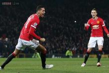 Chris Smalling, Van Persie on target as unconvincing Manchester United win