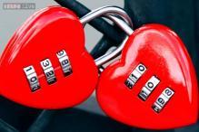 Women for alone time, men for romance on V-Day: Survey