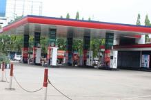 Petrol pumps to observe 15-minute blackout on Saturday