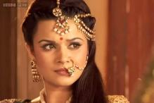 Aashka Goradia denies rumors of leaving historical TV show 'Maharana Pratap'