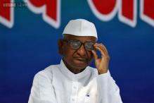 Anna Hazare leaves for Wardha ahead of 'padyatra'