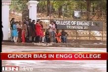 Kerala: Gender bias in engineering college, female students demand to extend curfew timing