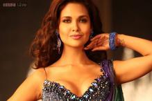 Esha Gupta keen to delve into theatre