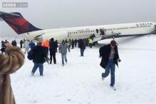 US: Plane skids off LaGuardia runway, crashes into fence; 6 injured