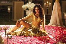 Gabbar Is Back: Chitrangada Singh turns seductress in new song 'Aao Raja'