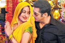 'Kamaal karti ho yaar Rajjo'; Salman Khan praises Sonakshi Sinha's weight loss