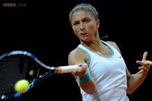 Sara Errani upsets Agnieszka Radwanska at Porsche Tennis Grand Prix