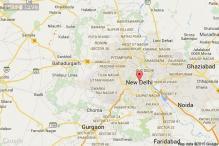 Delhi: Lamborghini rams into road divider, driver flees