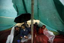 Indians flee quake-hit Nepal leaving jobs and savings behind