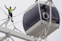 High-wire daredevil Nik Wallenda scales new Orlando Eye