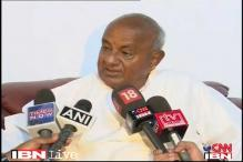 Deve Gowda begins hunger strike on farmers' suicide issue