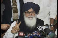 Punjab: AAP leaders protest, burn effigies of Badal over Moga bus case