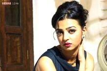 Radhika Apte sports 'sari with sneakers' look in 'Bombairiya'