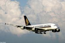 Singapore Airlines plane loses power, plunges 13,000 feet with 194 on board