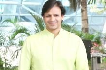 Vivek Oberoi Gifts 25 Flats To Families of Sukma Martyrs in Thane