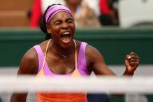 Serena Williams survives scare to reach French Open third round