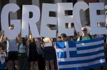 In last-ditch bid, EU urges Greeks to vote 'yes' to bailout